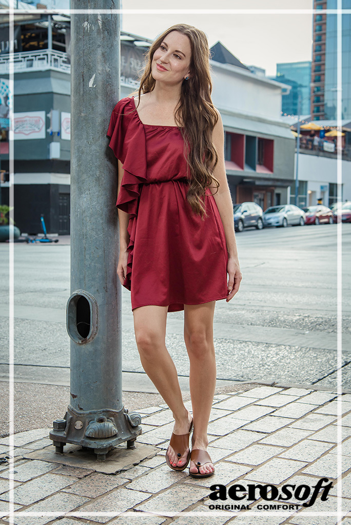 Maroon short dress with brown sandals